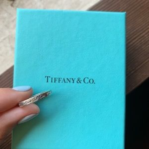 Tiffany's address ring with pouch and box